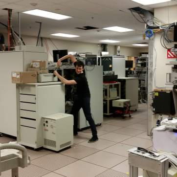 Renzo messing with the biggest 7T machine room in existance